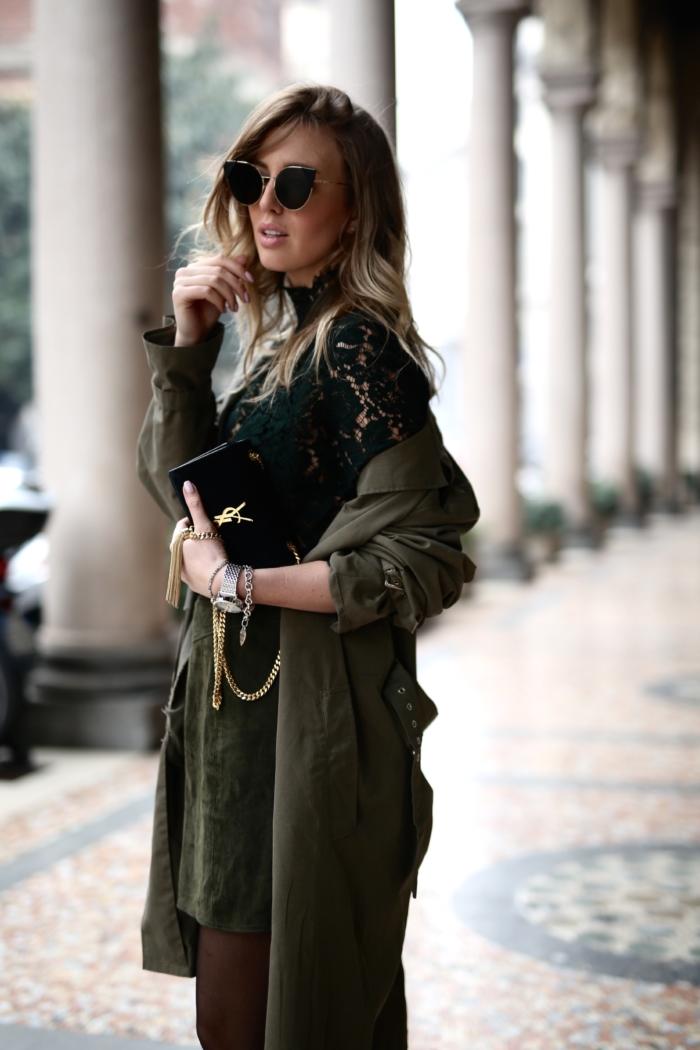 Mantel und Kleid in khaki, schwarze YSL Tasche