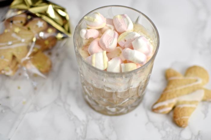 Latte mit Marshmallows, Weihnachtsplätzchen