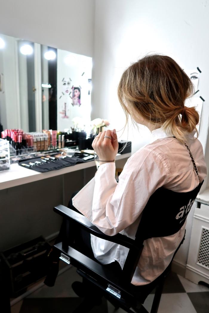 set, make up