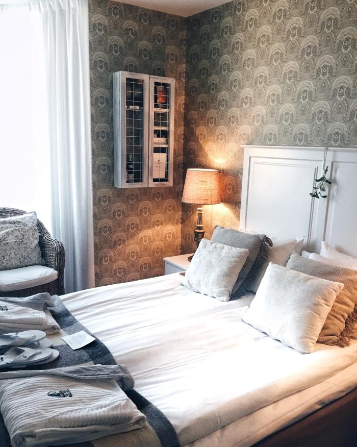 Hotel, Schlafzimmer, Doppelbett, gemütlich