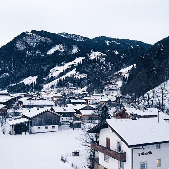 Österreich, Schneelandschaft, Häuser