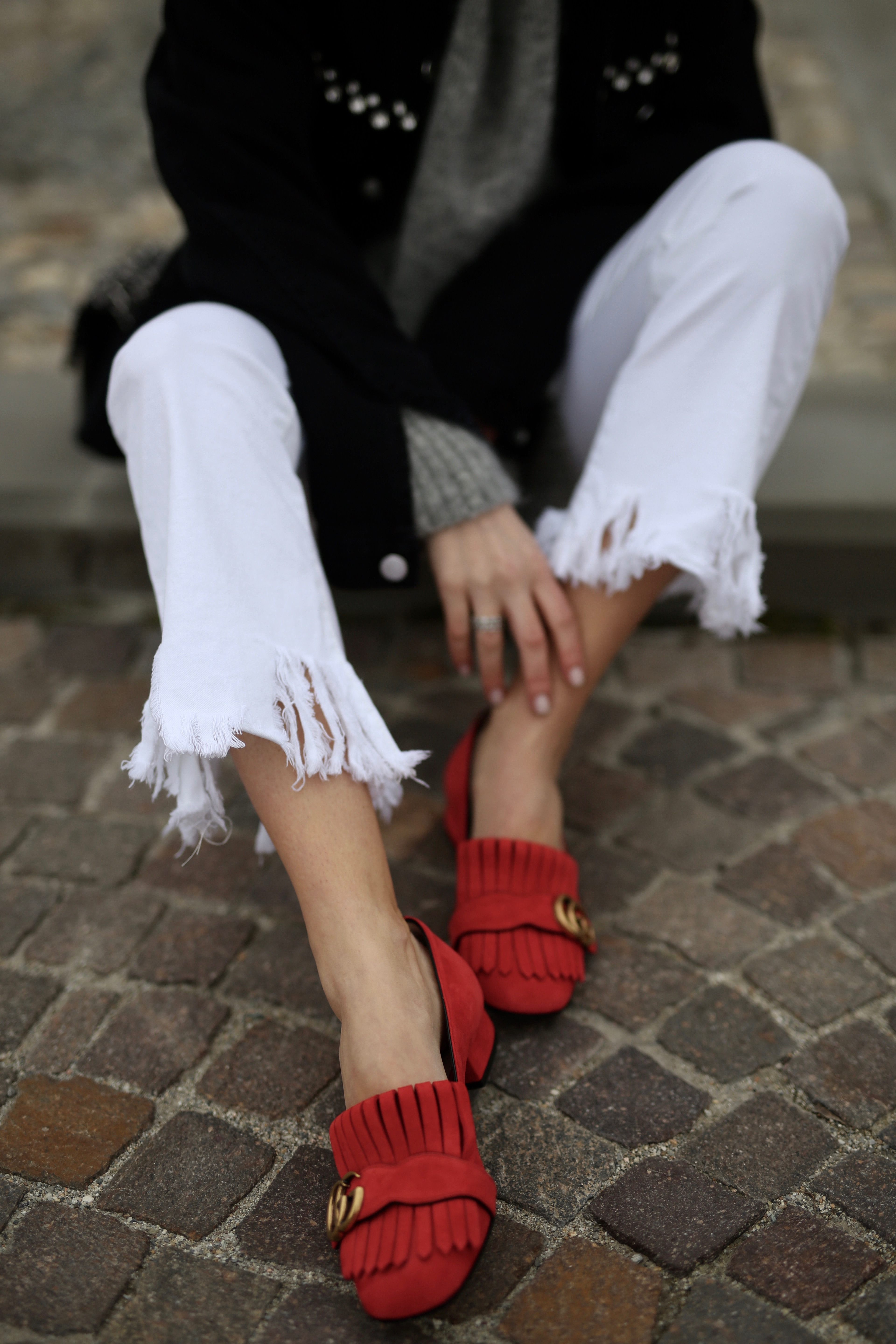 Gucci loafers white jeans details - Shoppisticated