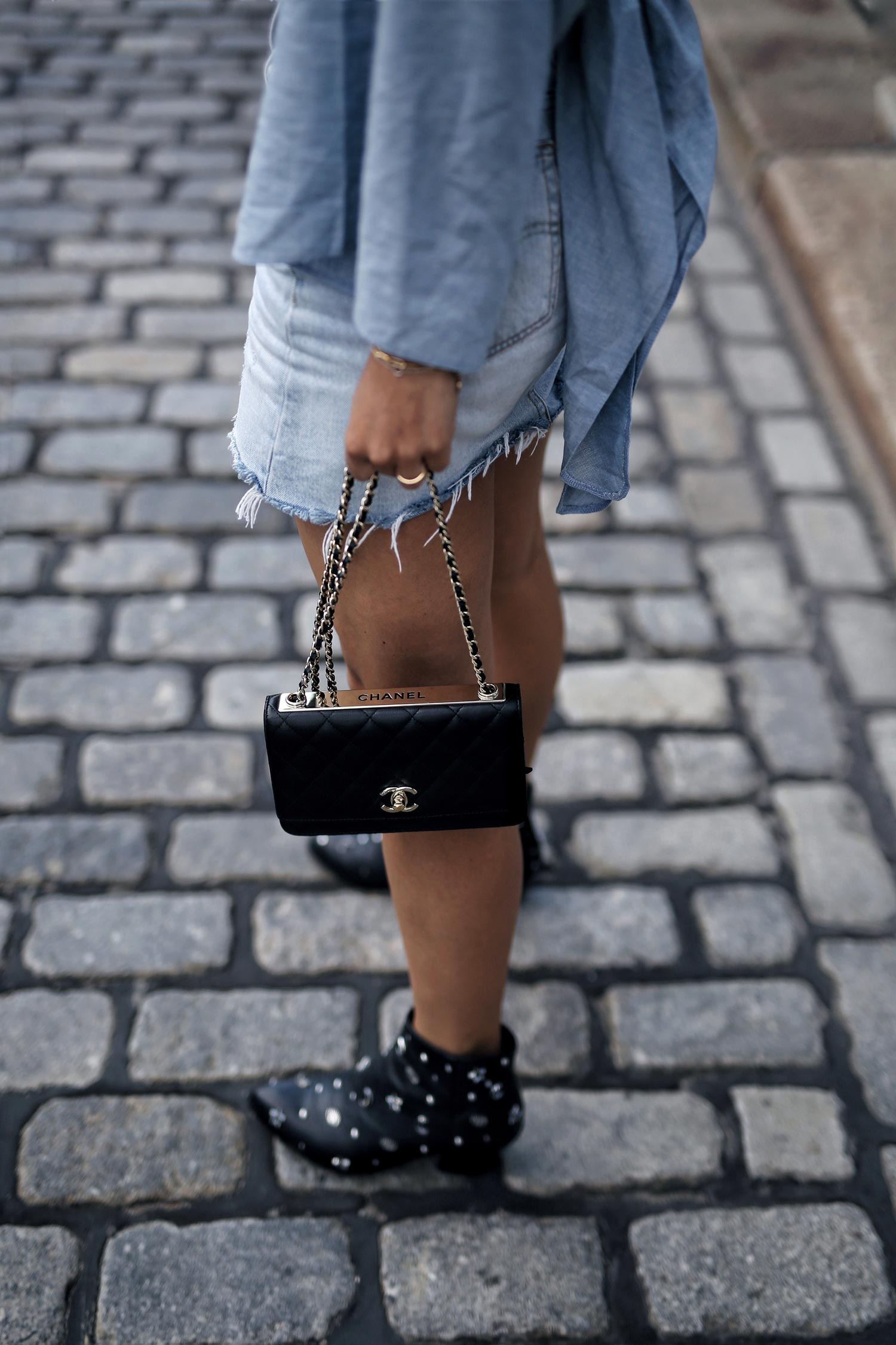 Chanel-Wallet-On-A-CHain