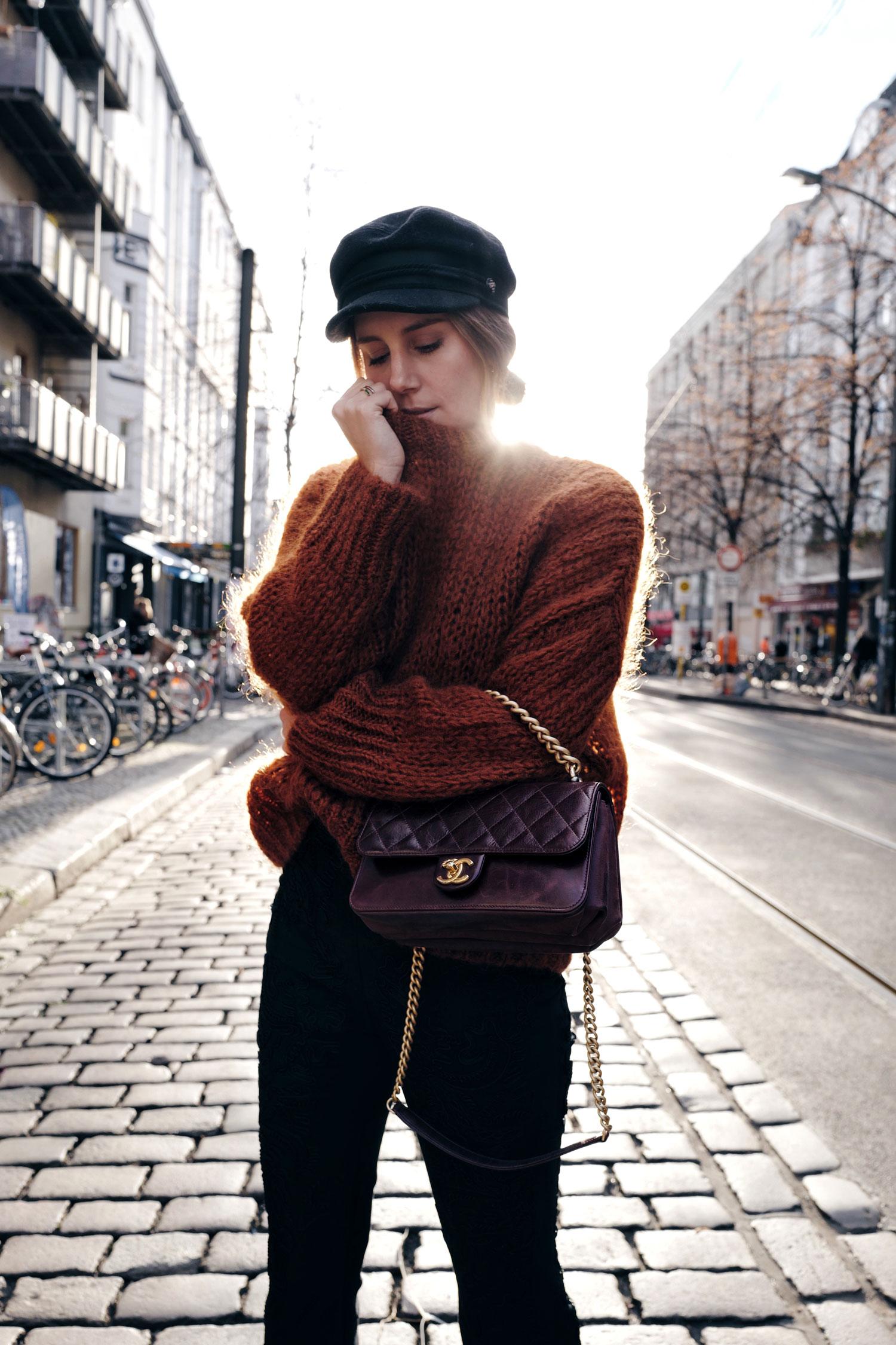 Chanel Tasche, Schlaghose