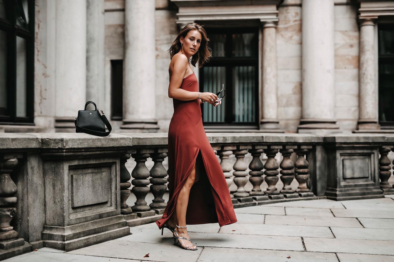Asymmetrisches Kleid One Shoulder