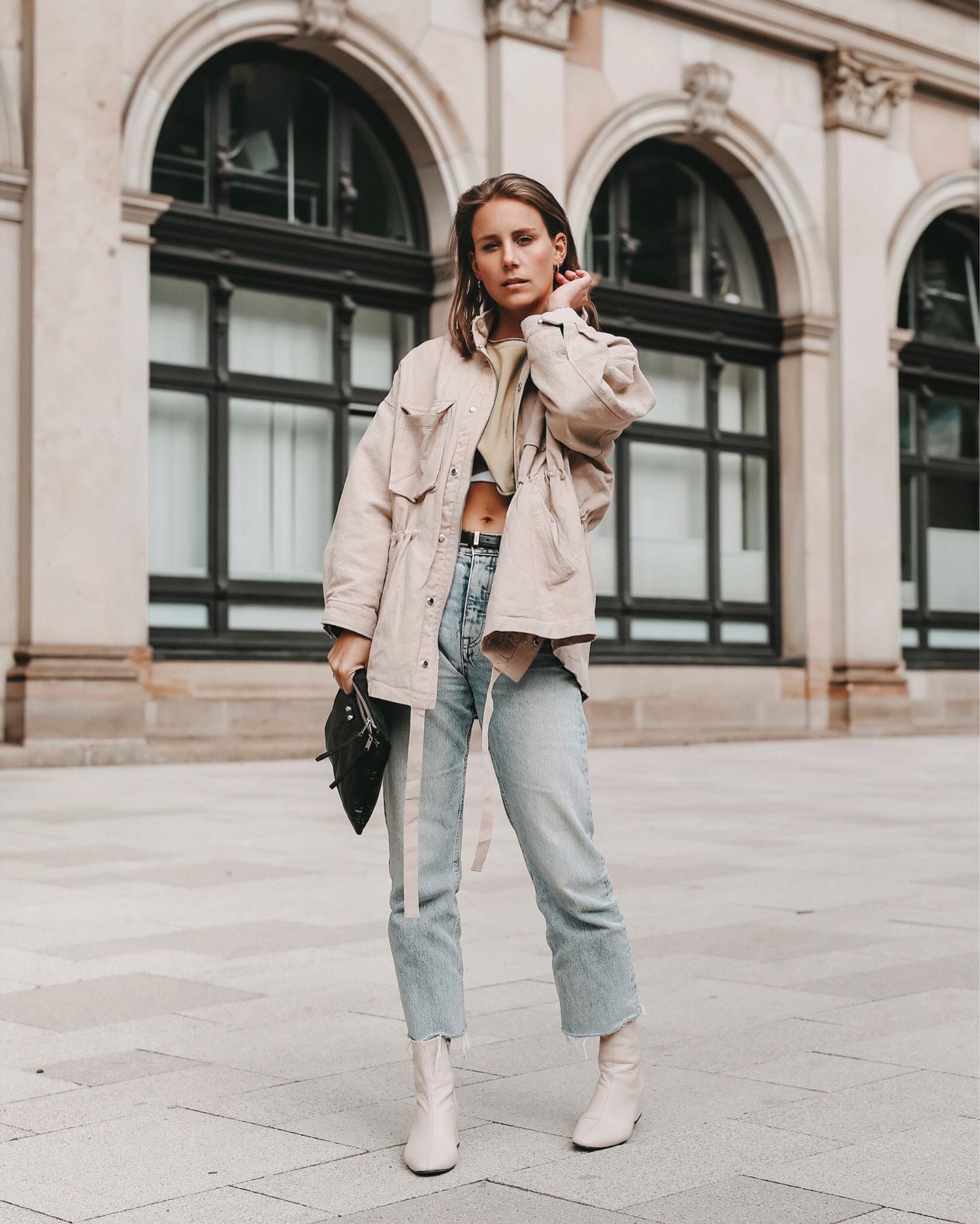 Styleguide: Weiße Stiefeletten richtig kombinieren