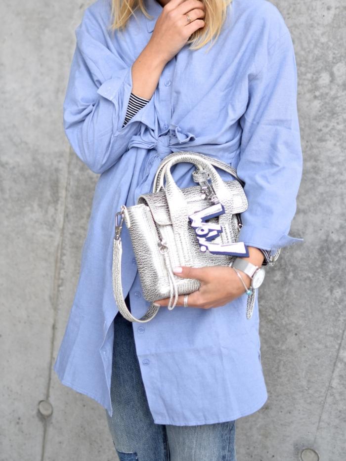 wow Handtasche, blaue oversized Bluse