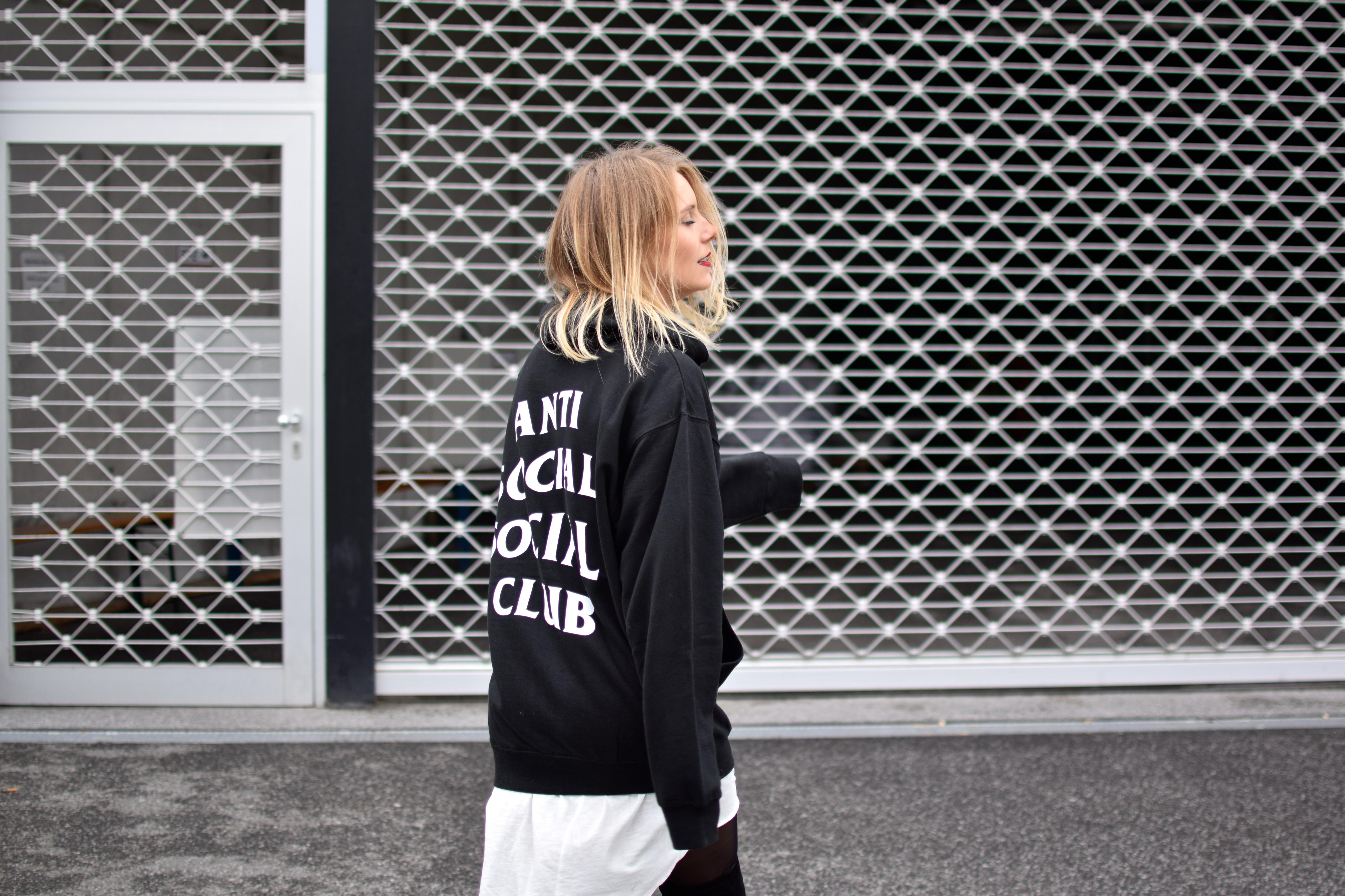 Anti Social Club Sweater - Shoppisticated 6cb175eeda