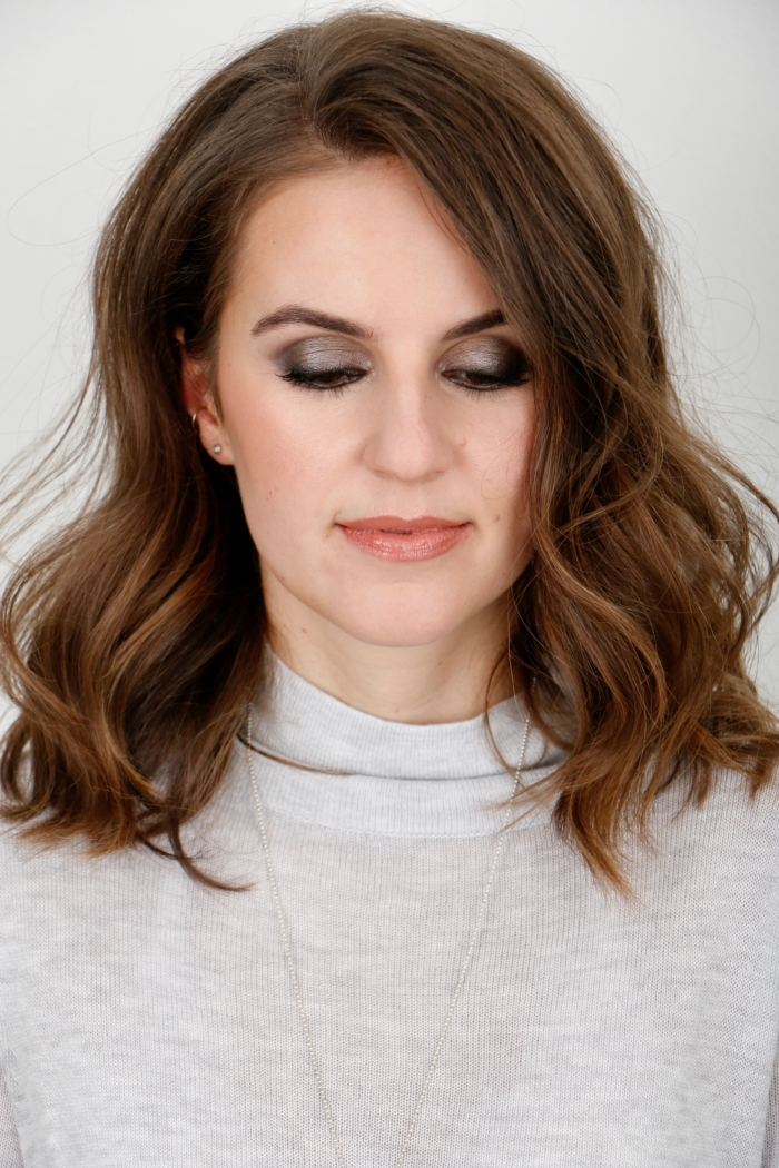 portrait, make-up for new year's eve, wavy hair, smokey eyes
